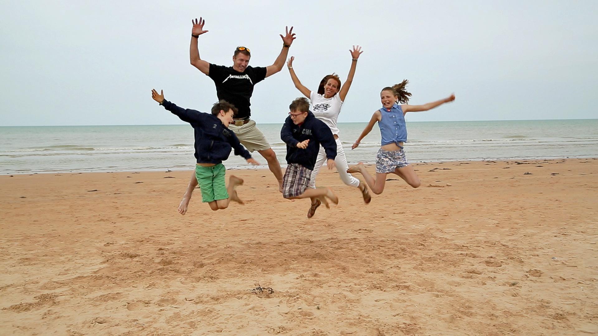 Family_Jump_Omaha_Beach_2015_copy.png
